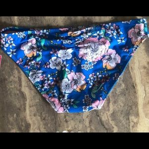 Other - Beautiful Floral Hipster Bikini Bottom